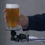Itt a borulásálló sör !